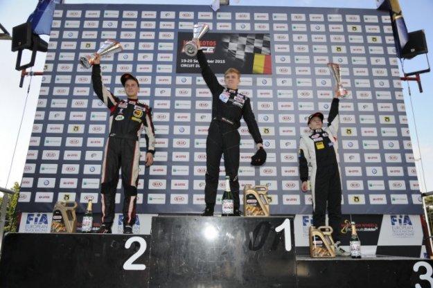 Karol Urbaniak zdobywa mistrzostwo Kia Lotos Race