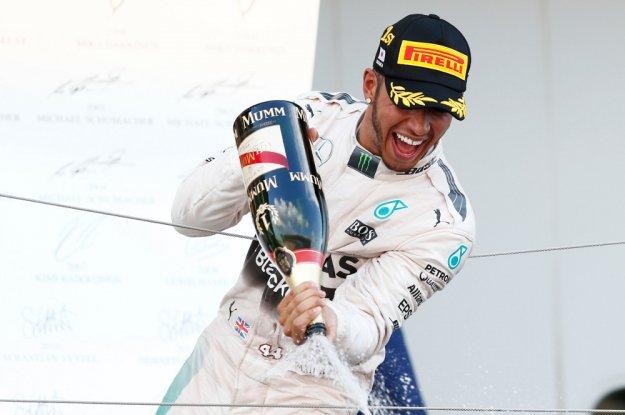 Hamilton ze swoją czterdziestą wygraną podczas F1 Japonii