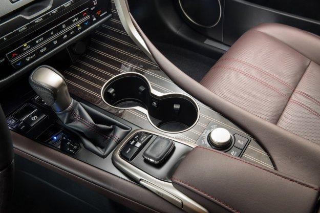 Lexus RX jeszcze bardziej ekskluzywny