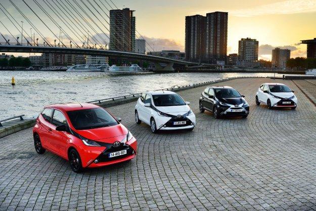 Toyota rozpoczyna wyprzedaż rocznika 2015