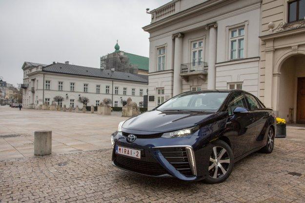 Toyota Mirai w odwiedzinach w Polsce, powiew przyszłości