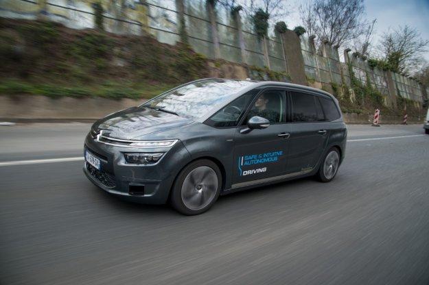 Grupa PSA pokazała, że autonomiczne samochody są nie tylko dla marek premium