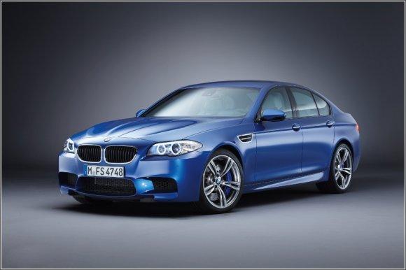BMW M5 - spokojnie jedzie drogą sukcesu