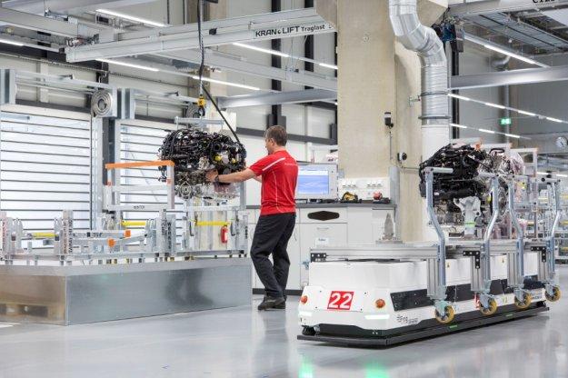 Porsche zwiększyło możliwości produkcyjne silników