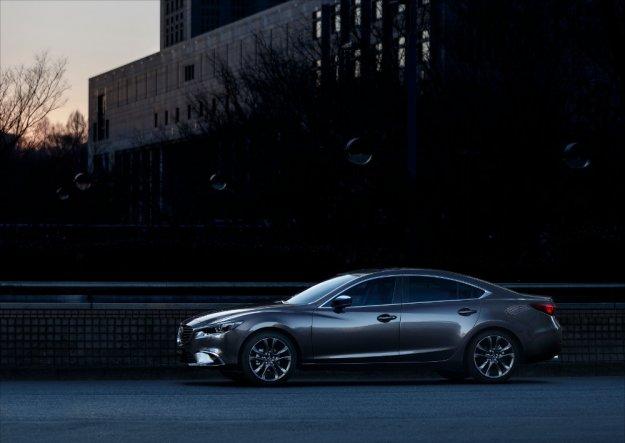 Japoński producent wzbogaca swój model Mazda6 na rok 2017