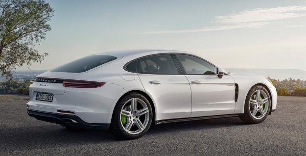 Dwie premiery Porsche na targach w Paryżu