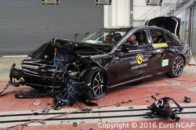 EuroNCAP kolejne samochody spotkały się ze ścianą