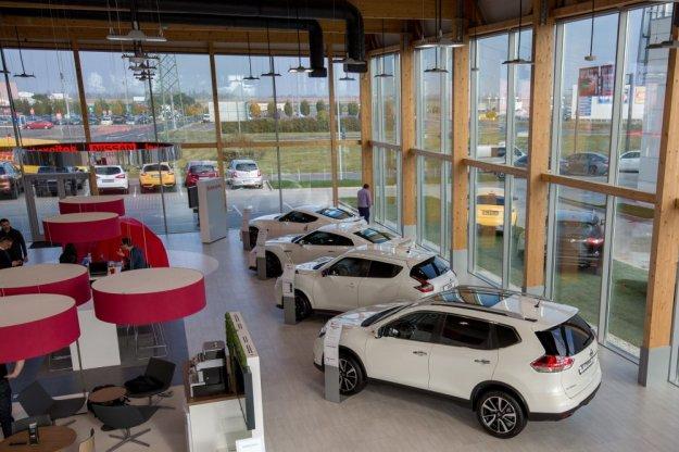 Nissan z nowym salonem w Poznaniu