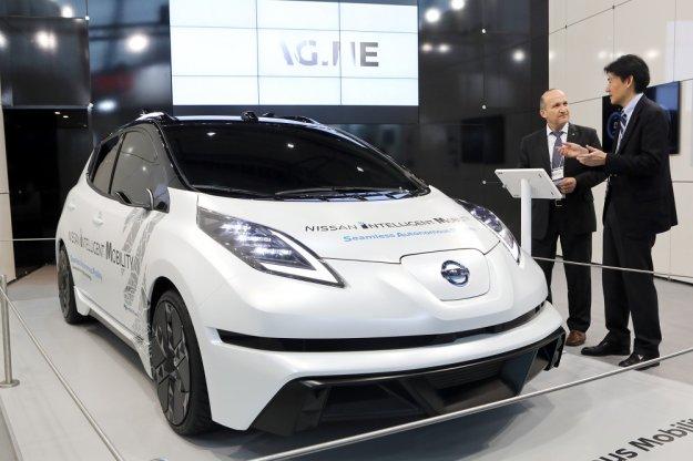 Nissan na CeBit z planem na autonomiczne samochody