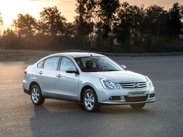 Nissan Almera powraca - większy i bardziej okazały
