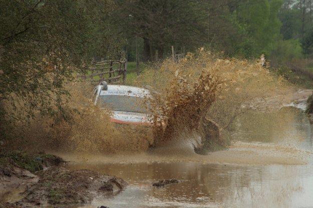 Trudne warunki podczas drugiej rundy Dacia Duster Elf Cup