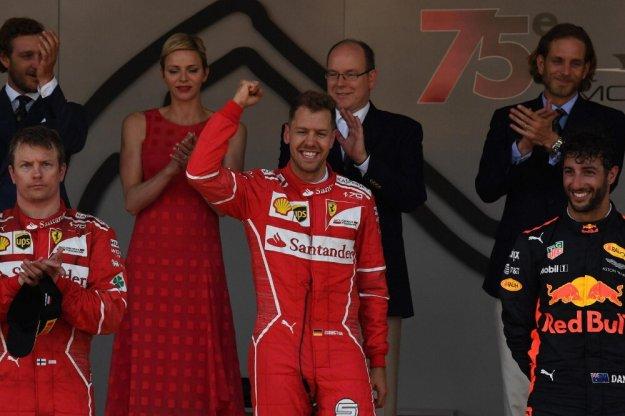 Vettel rozbudowuje przewagę punktową
