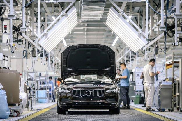 Pierwsze Volvo S90 dotarło do Europy nową drogą