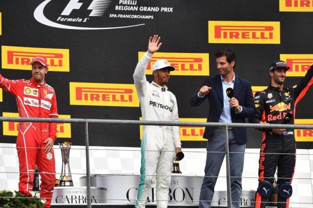 Hamilton zmniejsza przewagę Vettel po wygranej w Belgii