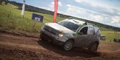 www.moj-samochod.pl - Artykuďż˝ - Dacia Duster Elf Cup wśród najlepszych
