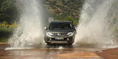 www.moj-samochod.pl - Artykuďż˝ - Mitsubishi L200 po raz trzeci z rzędu Pick up of the Year