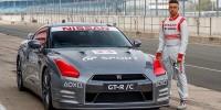 www.moj-samochod.pl - Artykuďż˝ - Zdalnie sterowanych Nissan GT-R