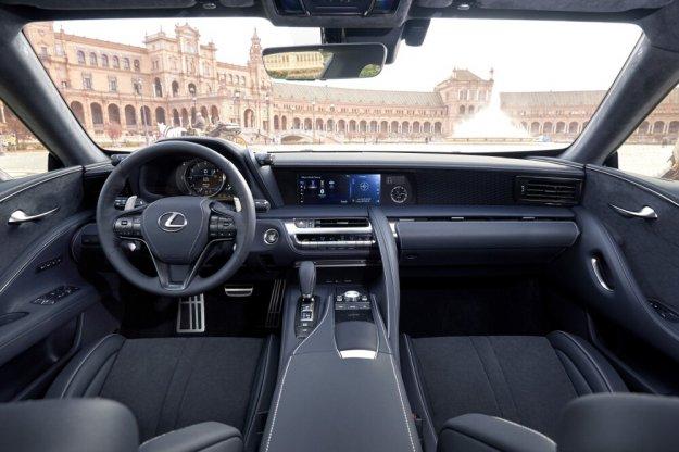 Samochody Toyota oraz Lexus z obsługą CarPlay