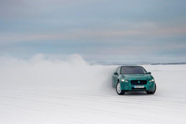 Szybkie ładowanie elektrycznego Jaguara I-Pace