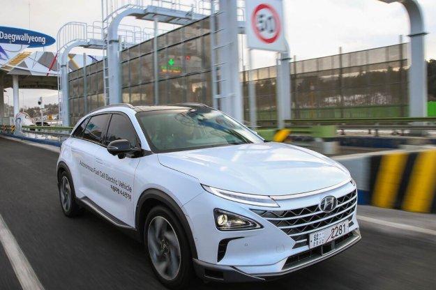 Ekologiczny Hyundai NEXO w autonomicznym trybie jazdy
