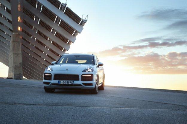 Porsche z kolejnym samochodem typu plug in hybrid