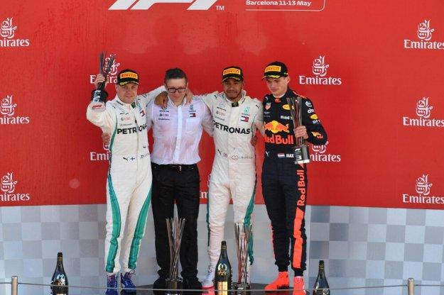 Hamilton powiększa przewagę punktową w Hiszpanii