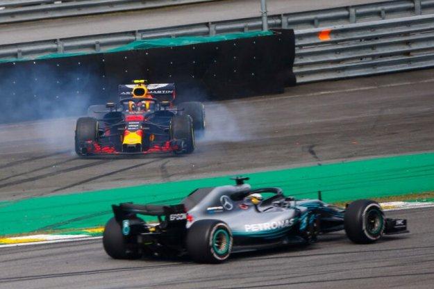 Hamilton nie daje szansy konkurencji w Brazylia