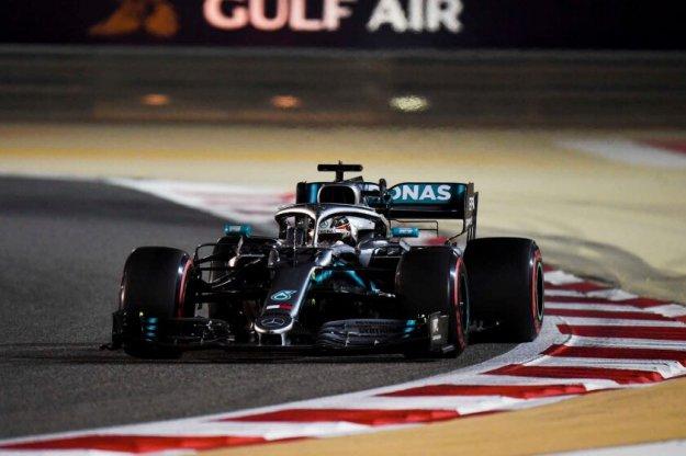 Hamilton wygrywa drugi wyścig sezonu