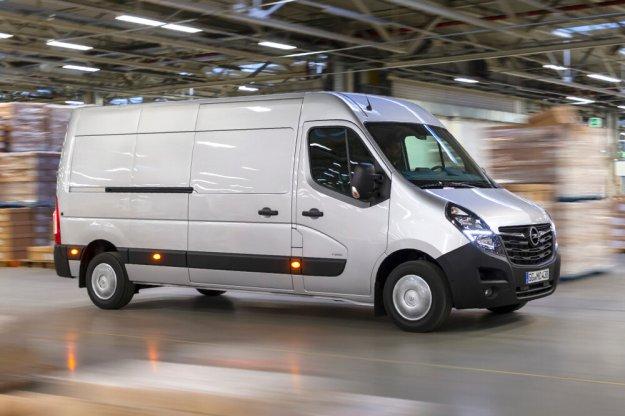 Opel Movano uniwersalny dostawczy samochód