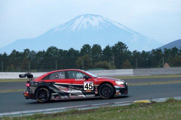 Audi RS3 LMS zwycięski 24 godzinny wyścig w Fuji