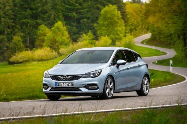 Opel Astra z najnowszą generacją oszczędnych silników