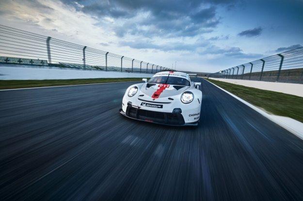 Porsche ulepsza swój długodystansowy model