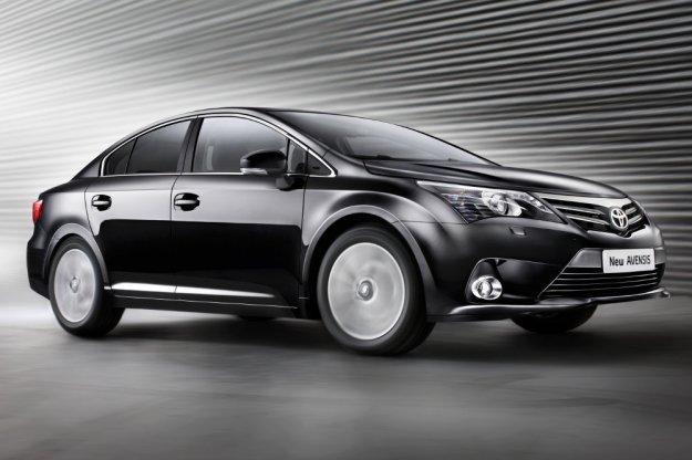 Toyota zwiększa moc swoich największych modeli