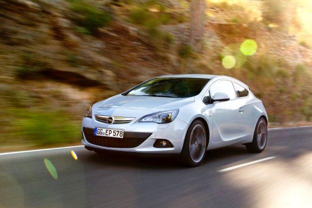 Opel Astra GTC w promocyjnej cenie z nowym silnikiem