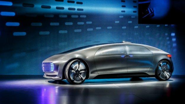 Premium łączy się z technologią XXI wieku, Mercedes F 015