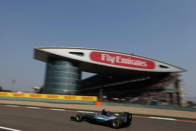 F1 Szanghaj bez niespodzianek, Hamilton z pewną wygraną